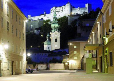 Die Hofstallgasse vor dem Festspielhaus Salzburg